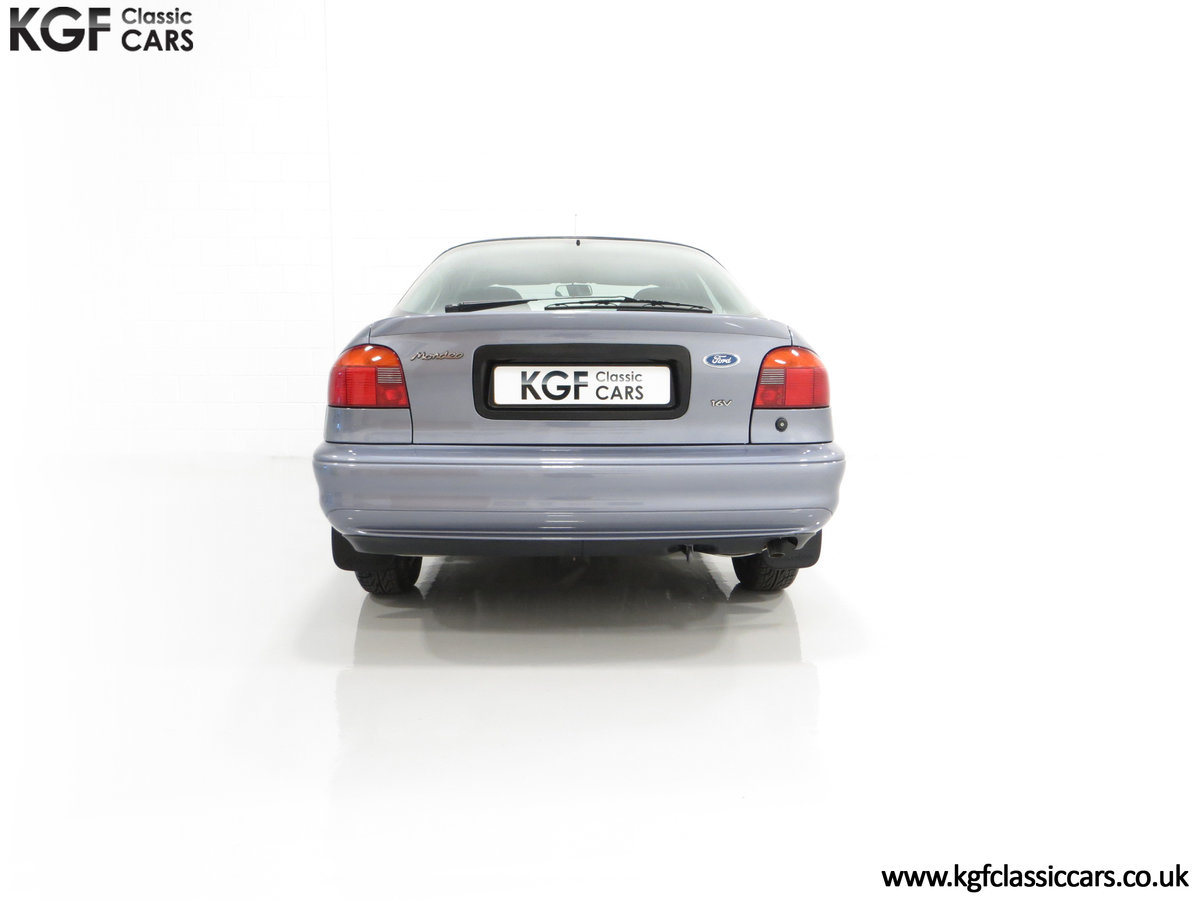 1996 Simply the Best Ford Mondeo Mk1 2.0 Si with 5,737 Miles SOLD (picture 10 of 24)