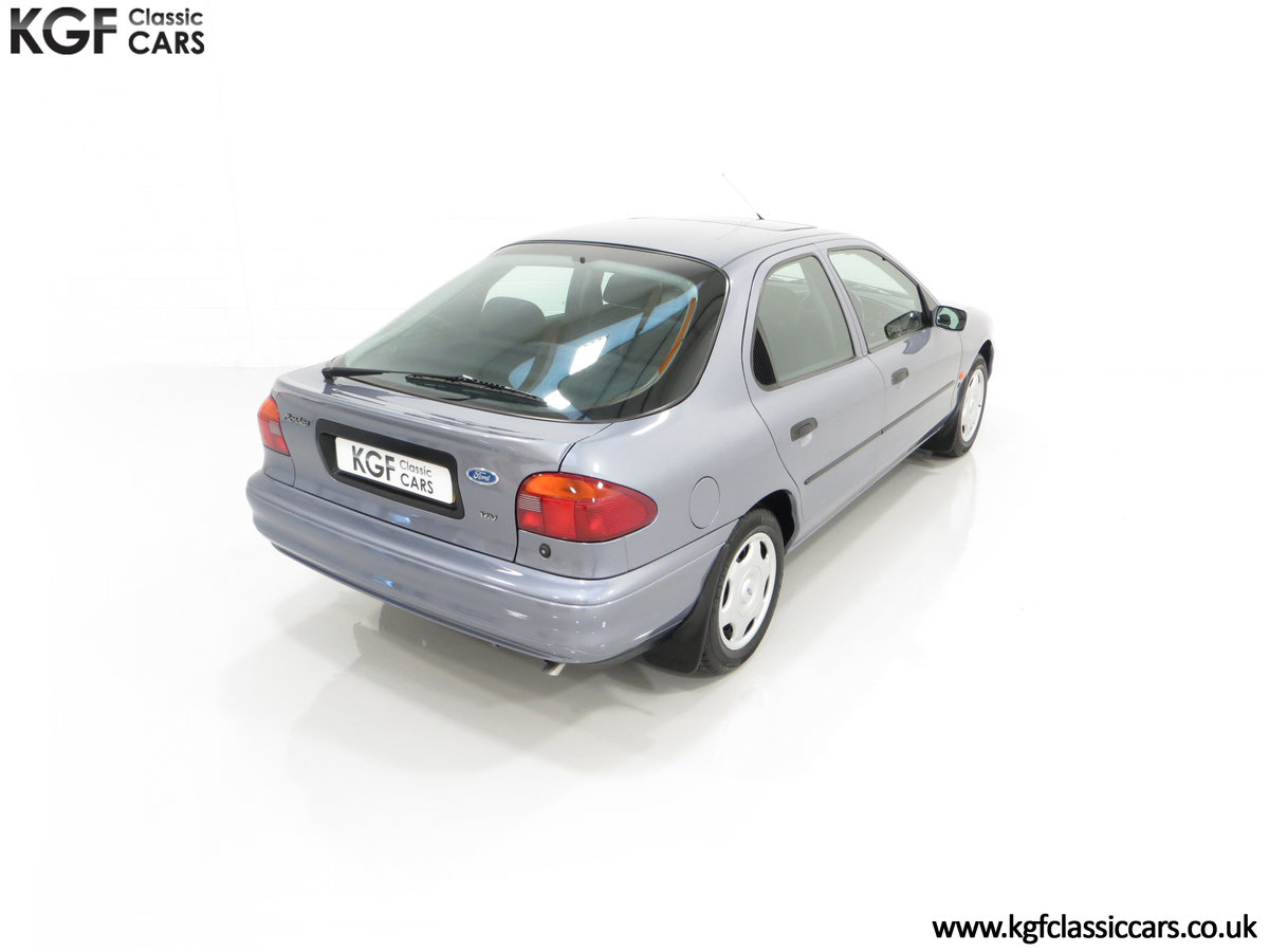 1996 Simply the Best Ford Mondeo Mk1 2.0 Si with 5,737 Miles SOLD (picture 12 of 24)