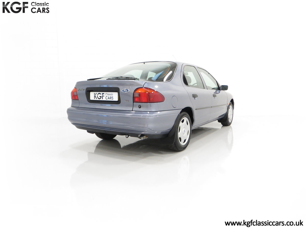 1996 Simply the Best Ford Mondeo Mk1 2.0 Si with 5,737 Miles SOLD (picture 13 of 24)