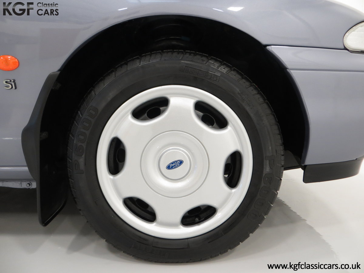 1996 Simply the Best Ford Mondeo Mk1 2.0 Si with 5,737 Miles SOLD (picture 15 of 24)