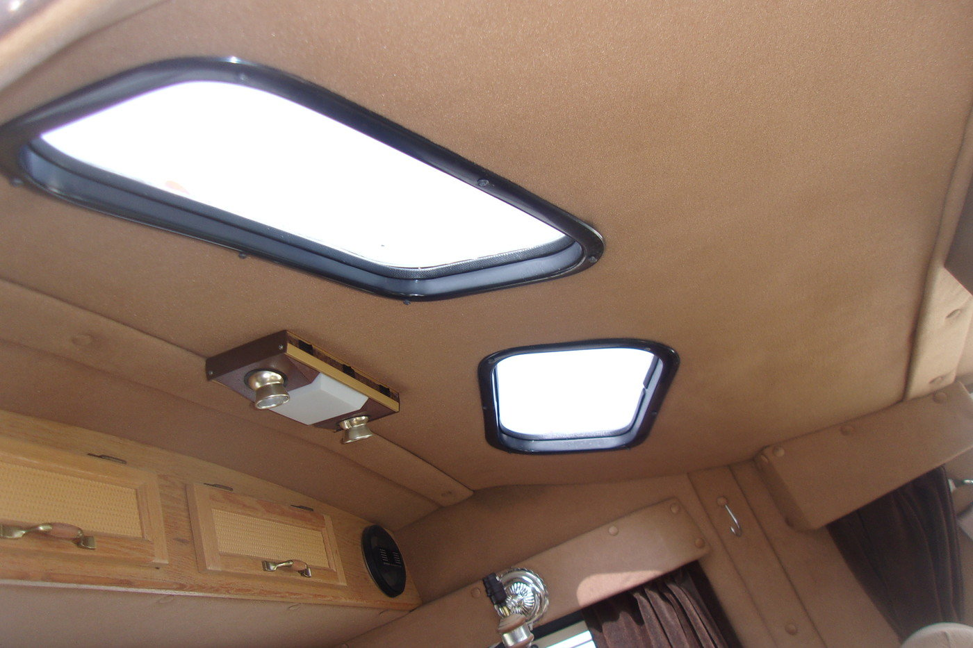 1987 Ford E350 Cabriolet Dually Van/Pickup For Sale (picture 5 of 6)