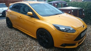 Picture of 2014 Ford focus st 3 eco boost tangerine scream 64 plat