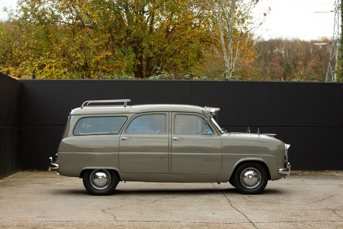 1953 Ford Consul MK1 - Abbot Farnham Estate For Sale (picture 6 of 6)