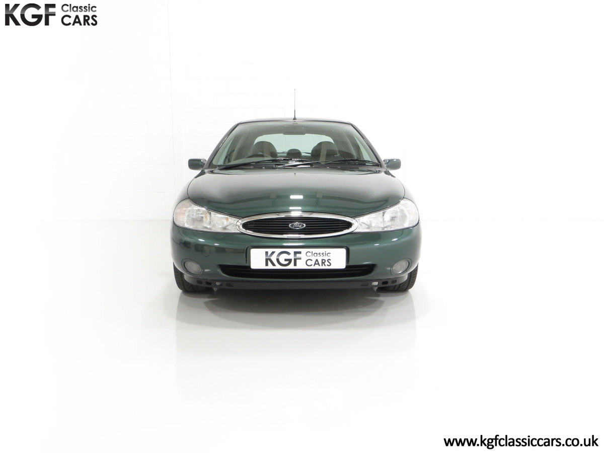 1998 A Luxurious Ford Mondeo Ghia X with Only 20,305 Miles SOLD (picture 3 of 24)