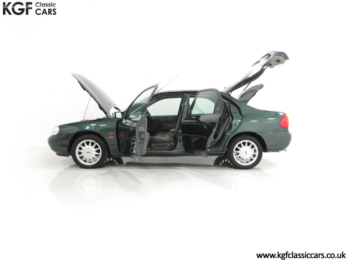 1998 A Luxurious Ford Mondeo Ghia X with Only 20,305 Miles SOLD (picture 7 of 24)