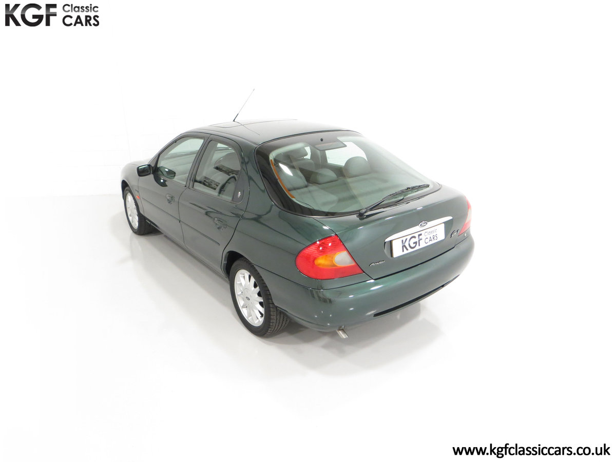 1998 A Luxurious Ford Mondeo Ghia X with Only 20,305 Miles SOLD (picture 9 of 24)