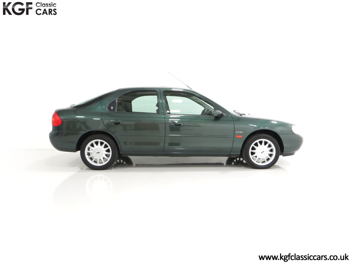 1998 A Luxurious Ford Mondeo Ghia X with Only 20,305 Miles SOLD (picture 14 of 24)
