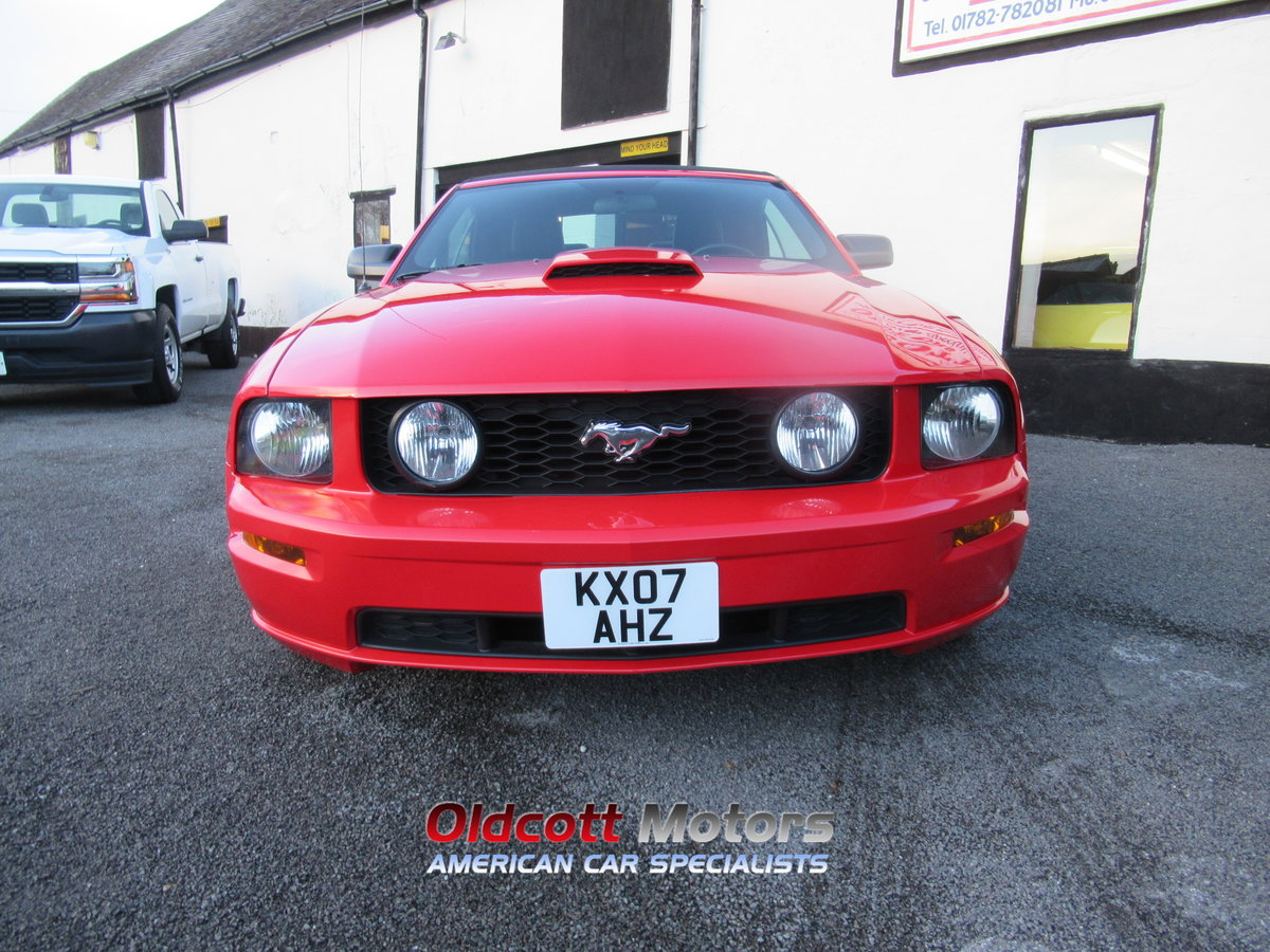 2007 FORD MUSTANG CONVERTIBLE 4.6 LITRE GT AUTOMATIC SOLD (picture 2 of 10)