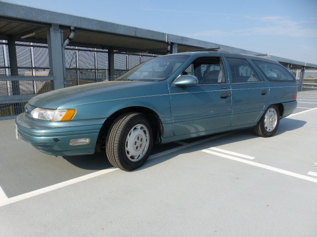 1994 Lhd Ford Taurus estate Wagon auto SOLD (picture 1 of 7)