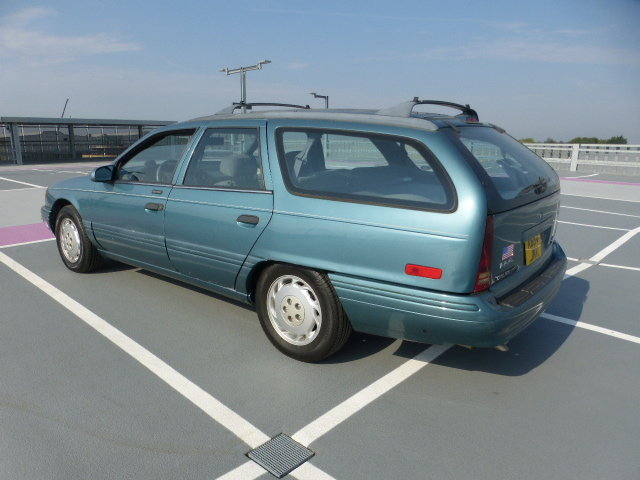 1994 Lhd Ford Taurus estate Wagon auto SOLD (picture 2 of 7)