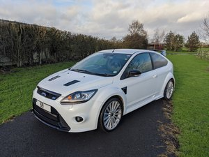 Focus RS Frozen White LUX 1&2 Recaro