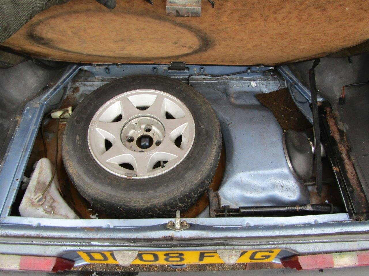 1986 Ford Capri 1.6 Laser at ACA 27th and 28th February For Sale by Auction (picture 10 of 11)