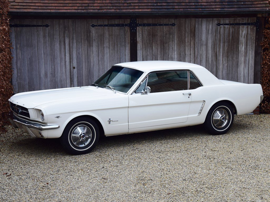 Early Mustang 1964 1/2 in concours condition. For Sale (picture 1 of 12)