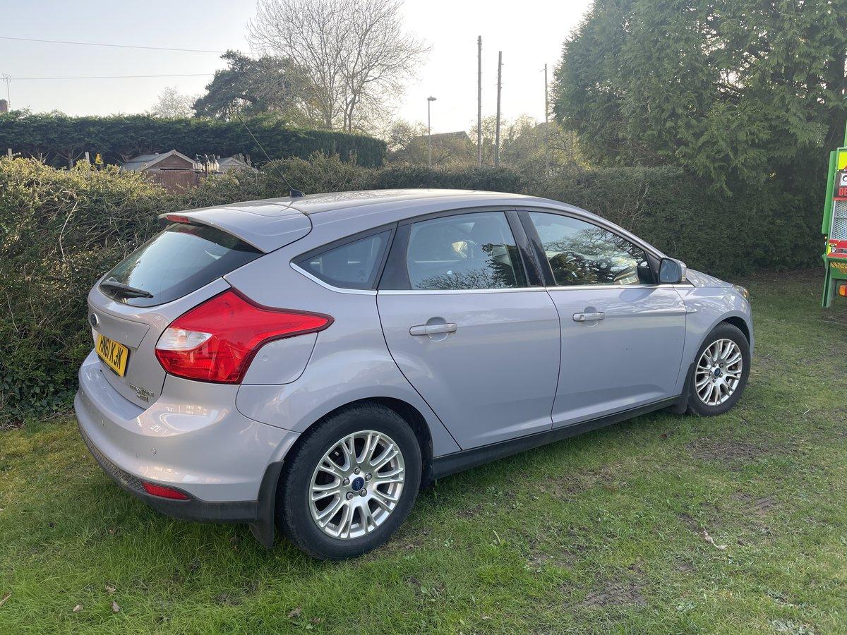 Ford Focus 1.6 tdci titanium 2011 just 24000 miles. For Sale (picture 3 of 5)