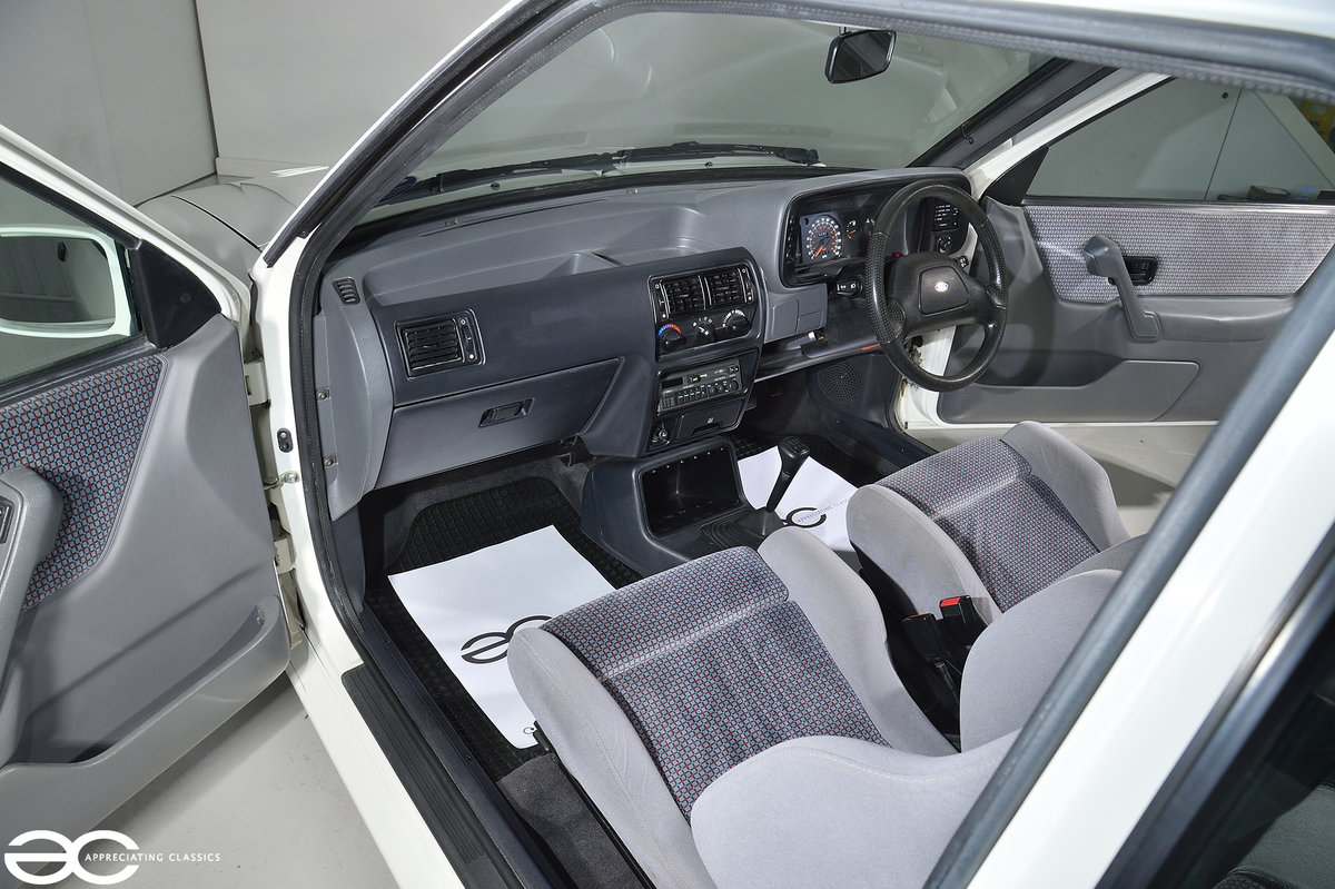 1990 90 Spec Escort RS Turbo S2 - 44k Miles - Last Owner 25 Years For Sale (picture 10 of 12)