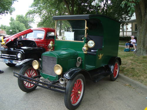 1926 Ford Model T C-Cab Panel Delivery For Sale (picture 3 of 6)