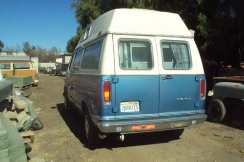 1975 Ford E250 Camper with bulit in lift For Sale (picture 2 of 6)