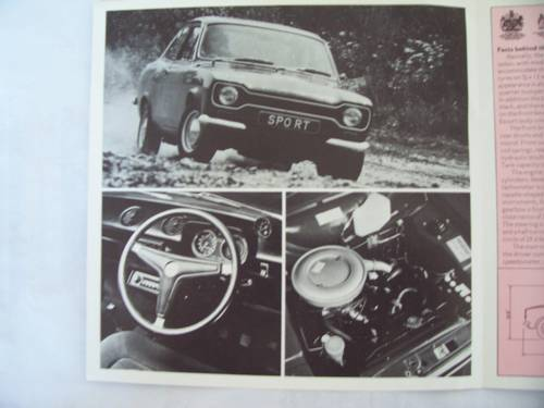 1971 FORD ESCORT SPORT FOLDING BROCHURE For Sale (picture 2 of 6)