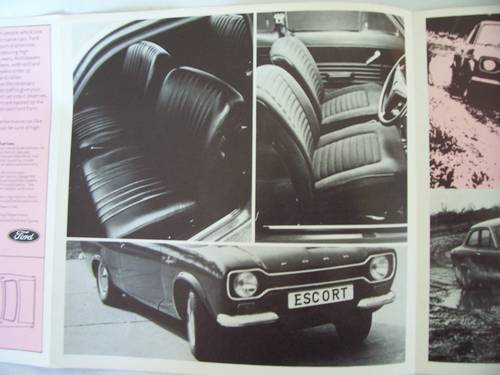 1971 FORD ESCORT SPORT FOLDING BROCHURE For Sale (picture 3 of 6)