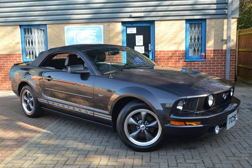 2007 FORD Mustang 4.0i V6 Convertible Automatic For Sale (picture 1 of 6)