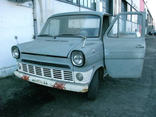 1967 Ford Transit MK1 Flatbed/pickup with twin Rear wheels. For Sale (picture 1 of 6)
