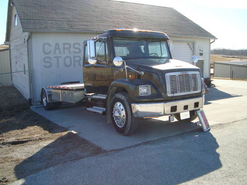 1999 Freightliner Big Rig Truck For Sale (picture 2 of 6)
