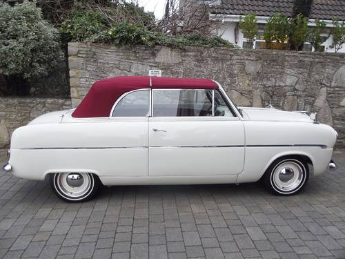 1953 FORD ZEPHYR SIX MK1 Convertible with power hood SOLD (picture 3 of 6)