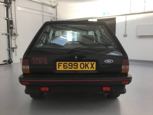 1989 CHERISHED 1 OWNER FIESTA XR2 BLACK SOLD (picture 4 of 6)