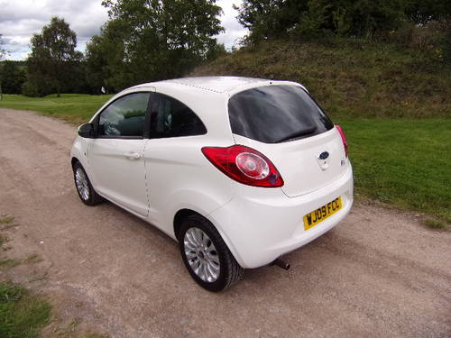 2009 Ford Ka 1.2 Zetec Only 14,750 miles For Sale (picture 2 of 6)