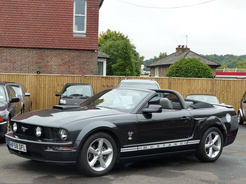 2009 FORD MUSTANG 4.0 V6 AUTOMATIC CONVERTIBLE - LHD + GT500 SPEC SOLD (picture 1 of 6)