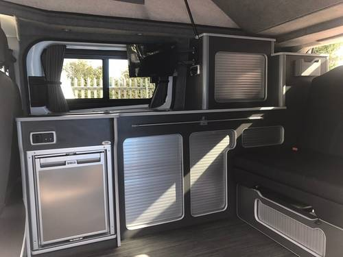 2016 Ford Transit Custom 2.2 TDCi 290 L2H1 Limited edition For Sale (picture 4 of 6)