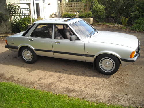 1982 ford cortina 2.0 GHIA HIGHLY MODIFIED 5SPEED PAS RESERVED SOLD (picture 1 of 6)