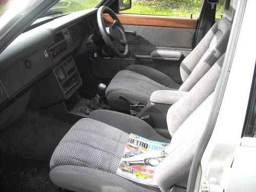 1982 ford cortina 2.0 GHIA HIGHLY MODIFIED 5SPEED PAS RESERVED SOLD (picture 5 of 6)