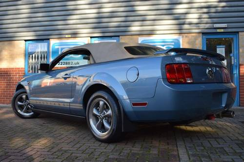 2005 Ford Mustang 4.0i Convertible Premium Automatic For Sale (picture 2 of 6)