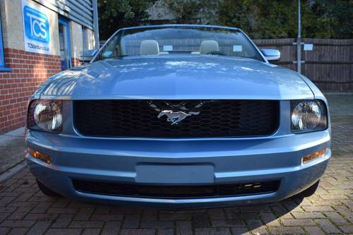 2005 Ford Mustang 4.0i Convertible Premium Automatic For Sale (picture 4 of 6)