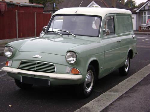 Ford Anglia 105E// Estate 307E Van Front Wheel Cylinder Left hand side