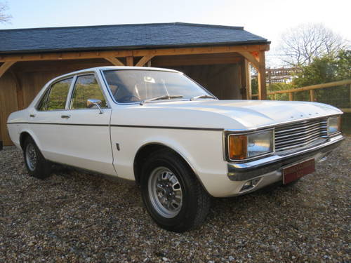 1974 Ford Granada 3.0 XL Manual (Debit Cards Accepted) SOLD (picture 2 of 6)