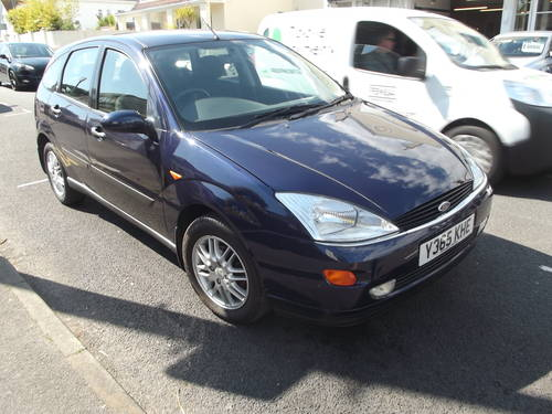 2001 FORD FOCUS 2.0i GHIA 5 DOOR MANUAL PETROL HATCHBACK SOLD (picture 2 of 3)