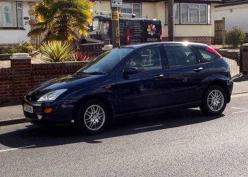 2001 FORD FOCUS 2.0i GHIA 5 DOOR MANUAL PETROL HATCHBACK SOLD (picture 3 of 3)