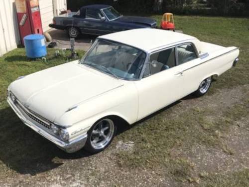 1961 Galaxie 2 Door 352 V8, 5.8L Automatic, New 18 SOLD (picture 3 of 6)