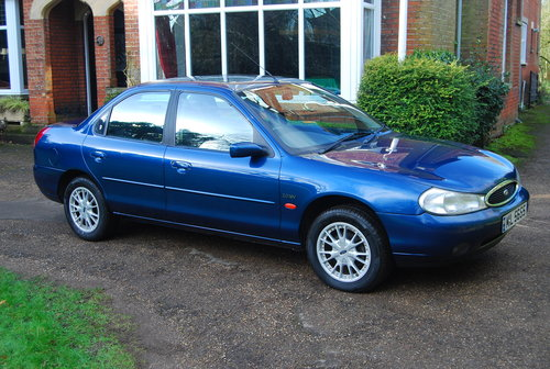 2000 Ford Mondeo 2.0 Ghia 50,043 miles fsh all Ford dealer SOLD (picture 1 of 6)