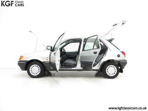 1992 A Delivery Mileage Ford Fiesta Mk3 1.4 Ghia with 137 miles! SOLD (picture 3 of 6)