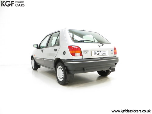 1992 A Delivery Mileage Ford Fiesta Mk3 1.4 Ghia with 137 miles! SOLD (picture 4 of 6)