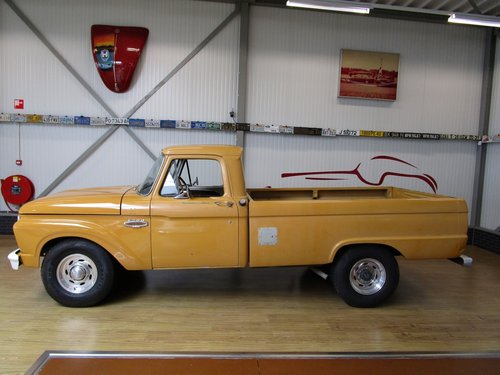 1964 Ford F250 Custom Cab V8 Pick Up For Sale (picture 2 of 6)