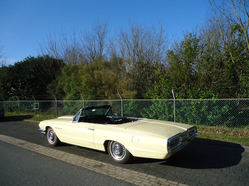 1964 Ford Thunderbird 390 V8 Convertible Phoenician Yellow For Sale (picture 2 of 6)