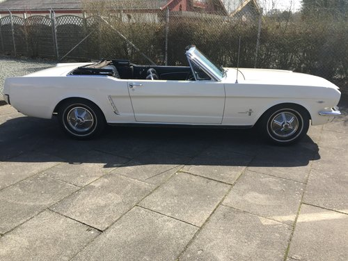 Ford Mustang 1964 1/2 model 4,3 L 260 Cui Convertible SOLD (picture 2 of 6)