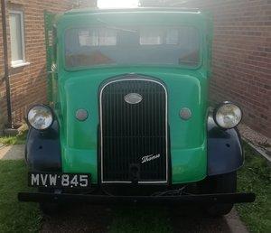 Fordson / Ford 7v Flatbed Truck - V8