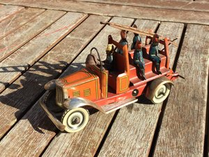 Bing pre war tinplate clockwork fire engine