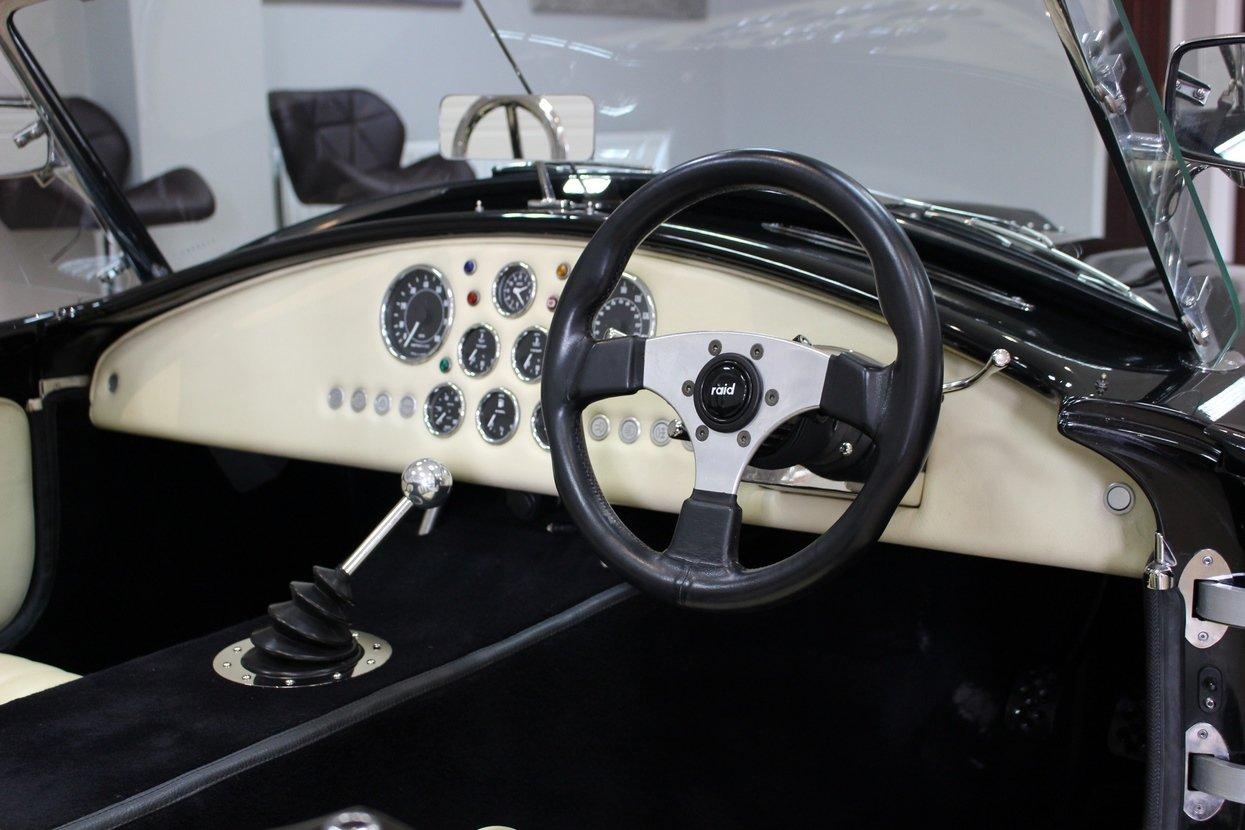 1977 2008 Gardner Douglas GD427 Cobra 6.3 V8 T-5 Manual 430BHP For Sale (picture 8 of 10)