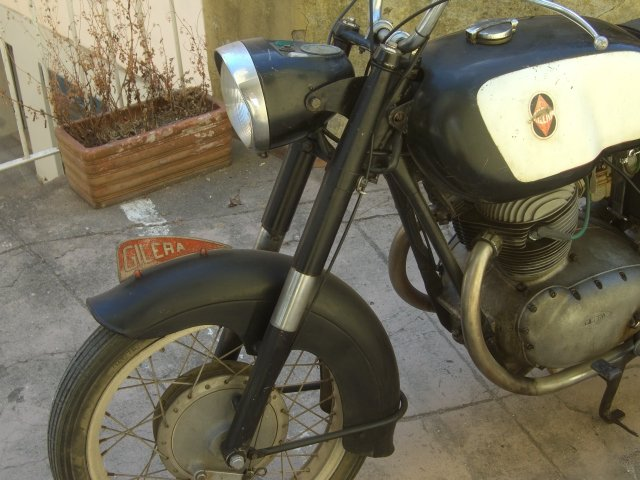 Gilera 300 extra 1967 twin For Sale (picture 2 of 6)